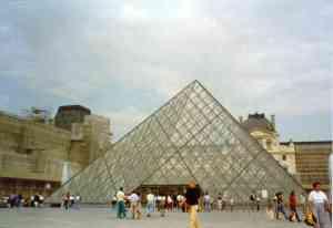 louvre_piramid.jpg