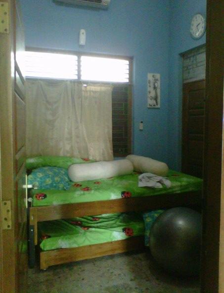 kamar kami di BK, saksi bisa proses persalinan kala I saya.. ^^